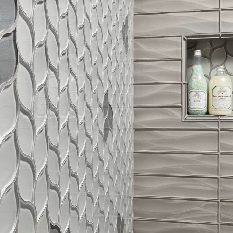 Dunes Pewter 3 x 12 Wave (front), Pearl Leaves & Platinum Leaves (left wall)