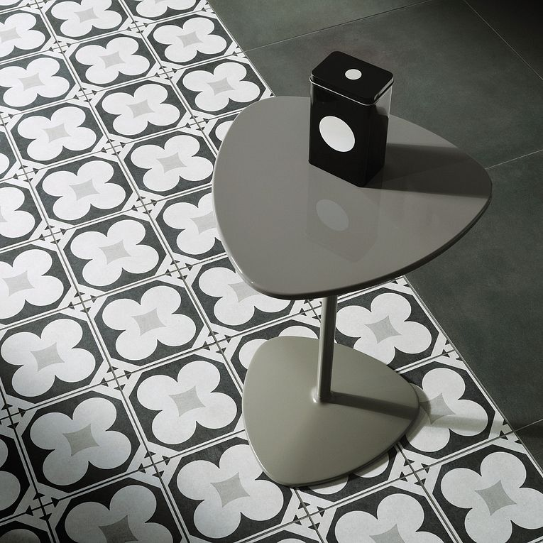 Cementine Black White 4
