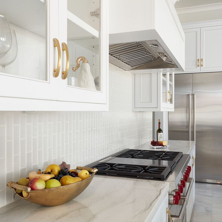 Dunes Pearl 2 x 6 Stagger Joint (backsplash) & Mont Blanc Polished (counter)