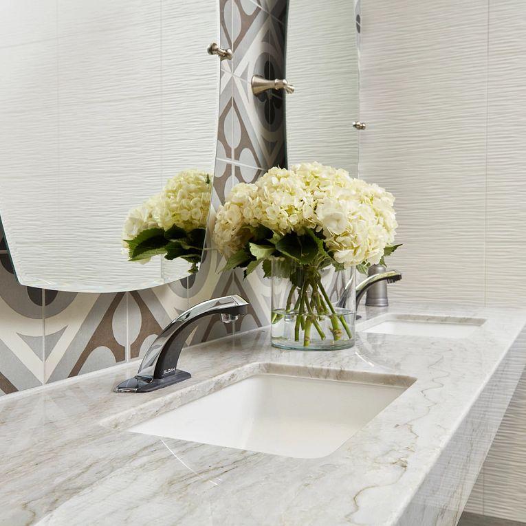 3D White Wave Matte 12 x 22, Cementine Retro 1 & White Pearl Quartzite